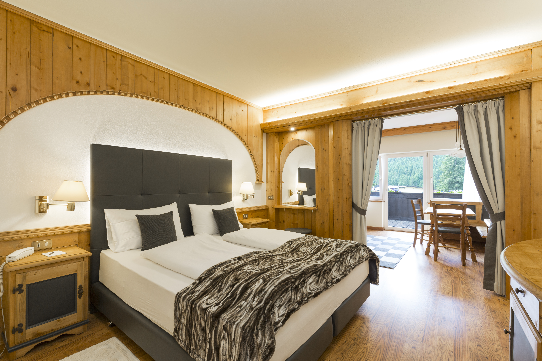 Our luxury picks in 3 favourite villages dolomites ski tours for Family hotel asiago