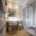 Hotel Alpi bathroom